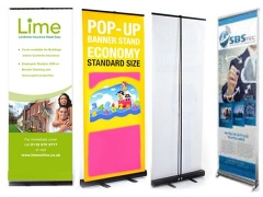 Pop-up banners staan